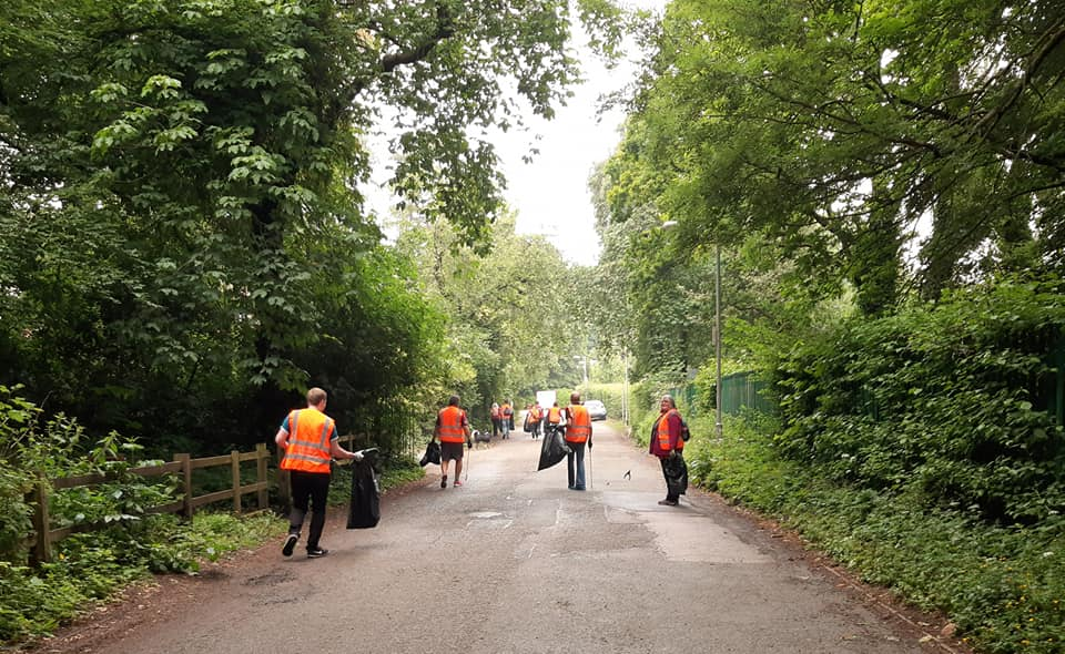 Litter pickers clean up Bestwood Lodge Drive